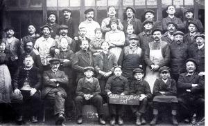 Ouvriers des ateliers DÉNY en 1921